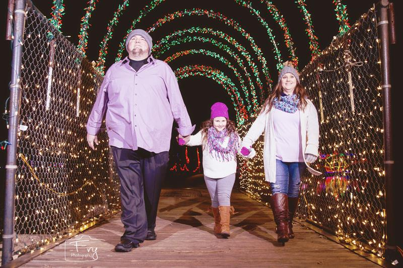 Holiday Portraits, Family Christmas Pictures, Christmas in the Park - Yukon OK
